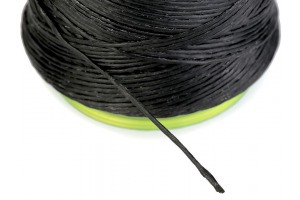 Voskovaná polyesterová niť - vodeodolná