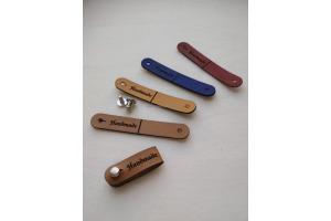 Handmade štítok - ceduľka - na zapínanie
